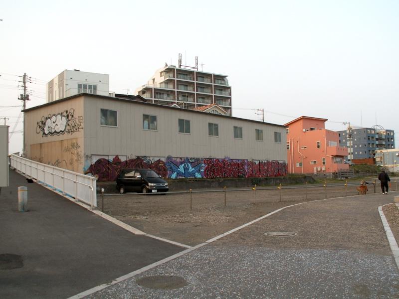 グランドホテル横の倉庫