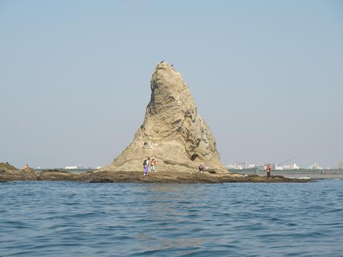 沖側から見る烏帽子岩2