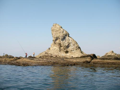 大平島の内湾から望む烏帽子岩