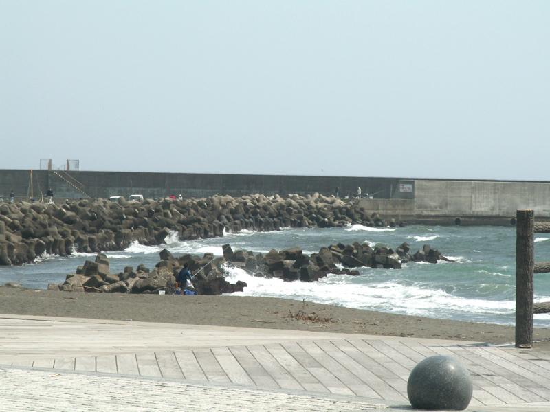 漁港西側の消波ブロック