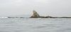 江の島側より烏帽子岩を望む