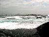 潮位が高く、さらに波浪のため調査は困難