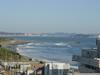 嵐の翌朝、シーサイドパレス屋上から波を見る